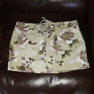 Old Navy womens 4 green Hawaiian floral skirt